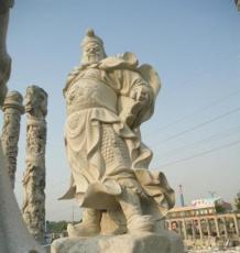 为什么广场上按石雕十二生肖柱