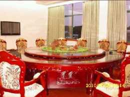实木雕花喷泉电动餐桌