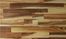 厂家批发镜面模压封蜡防水强化复合木地板